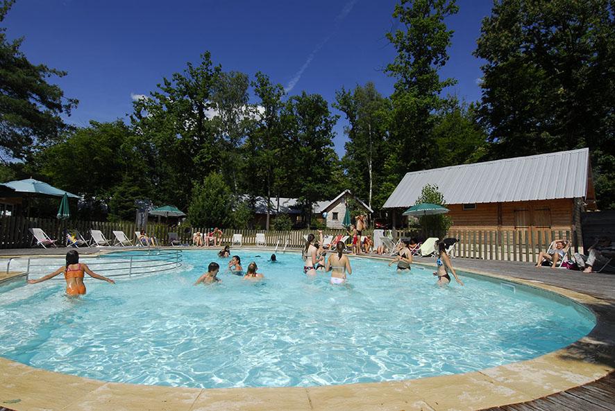 Camping versailles s jour nature pr s de paris huttopia for Rambouillet piscine