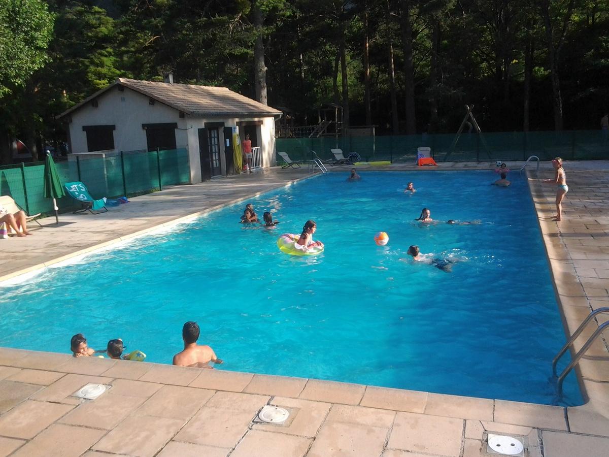 Camping millau dans les gorges du tarn vacances nature for Camping gorges du tarn piscine