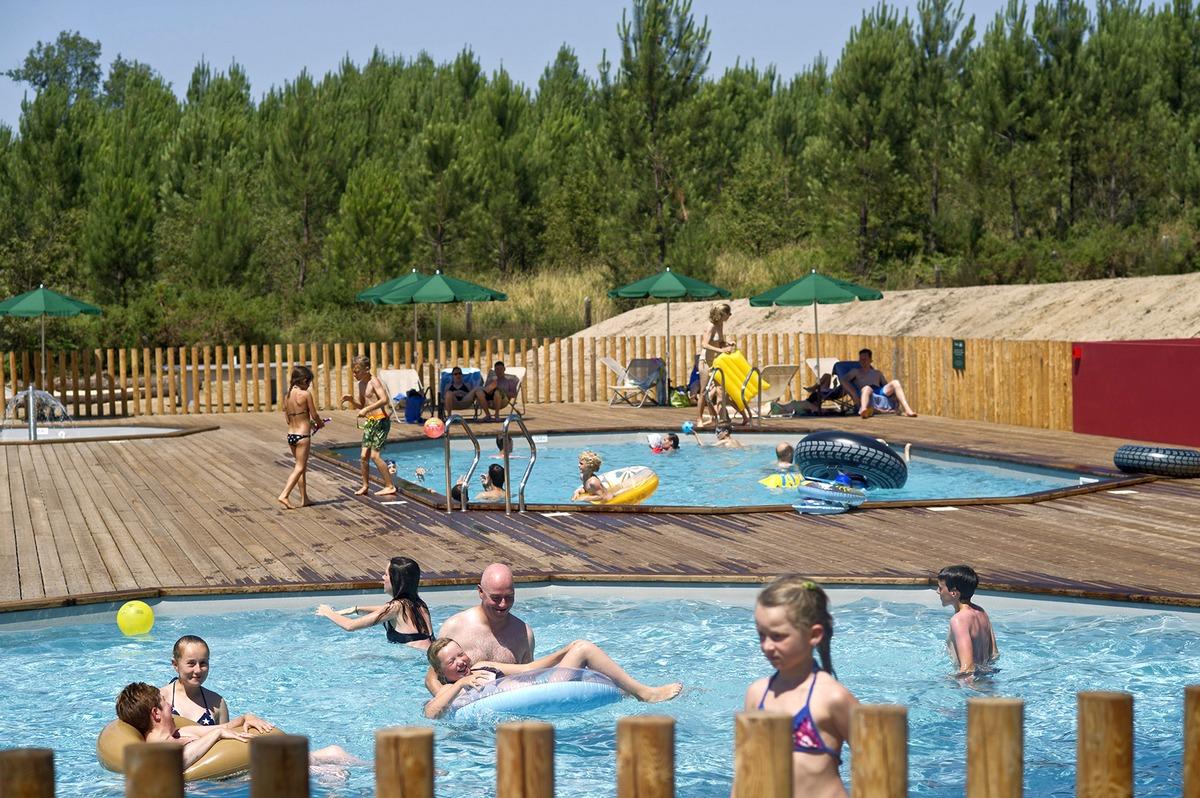 Camping lac de l on en aquitaine vacances nature huttopia for Camping avec lac et piscine