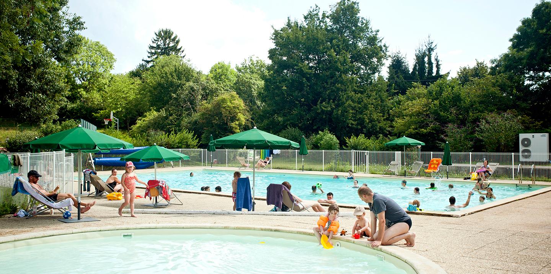 Camping divonne les bains proche de la suisse huttopia for Piscine de divonne