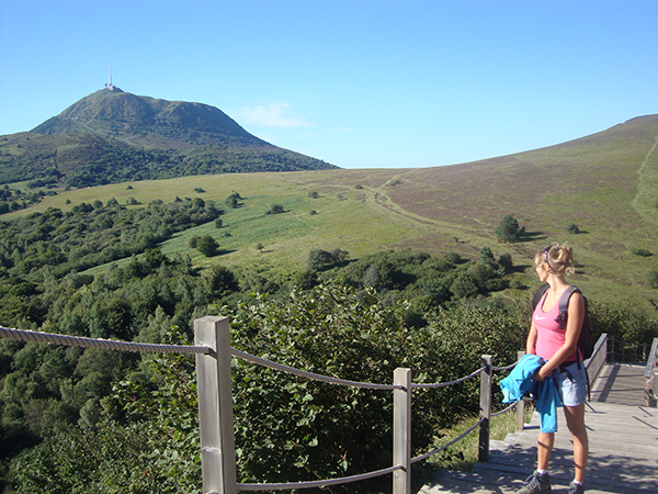 DISCOVER THE AUVERGNE VOLCANOES