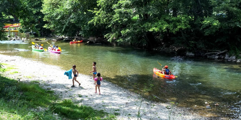 Camping millau dans les gorges du tarn vacances nature for Camping gorges du tarn avec piscine 4 etoiles