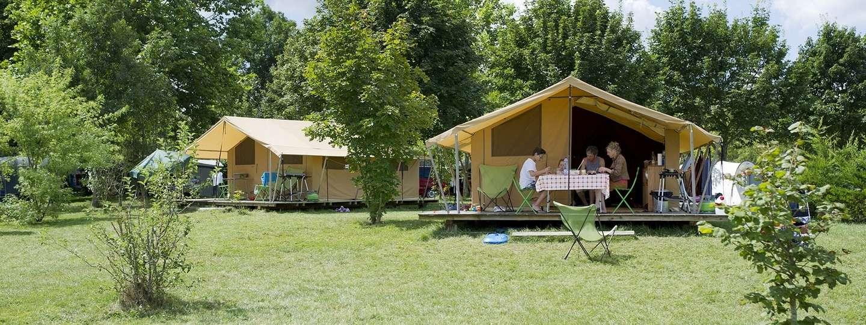 Plage Blanche campsite in the Jura - Nature holidays - Huttopia