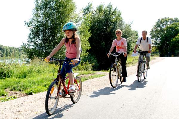 Visit the region by bike or by foot...