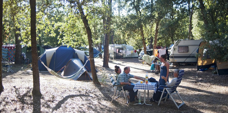 camping ol ron les ch nes verts sur l 39 ile d 39 ol ron huttopia. Black Bedroom Furniture Sets. Home Design Ideas