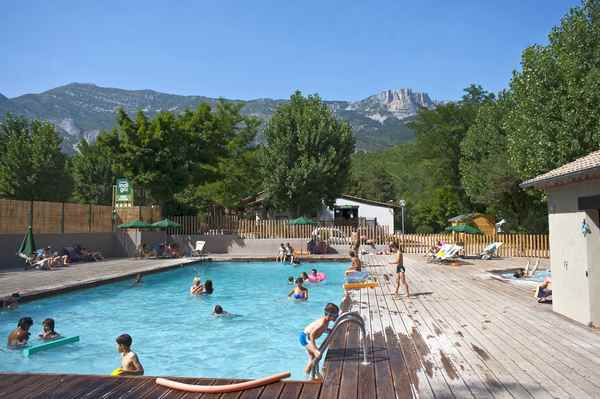 Campsite in the verdon gorges by the river huttopia for Camping verdon piscine