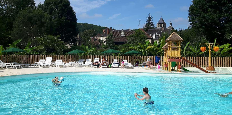 Camping beaulieu sur dordogne huttopia for Camping piscine dordogne