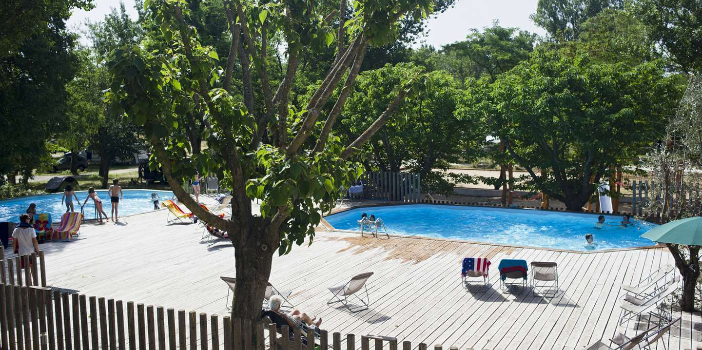 Camping le moulin en ard che vacances nature huttopia for Piscine moulins