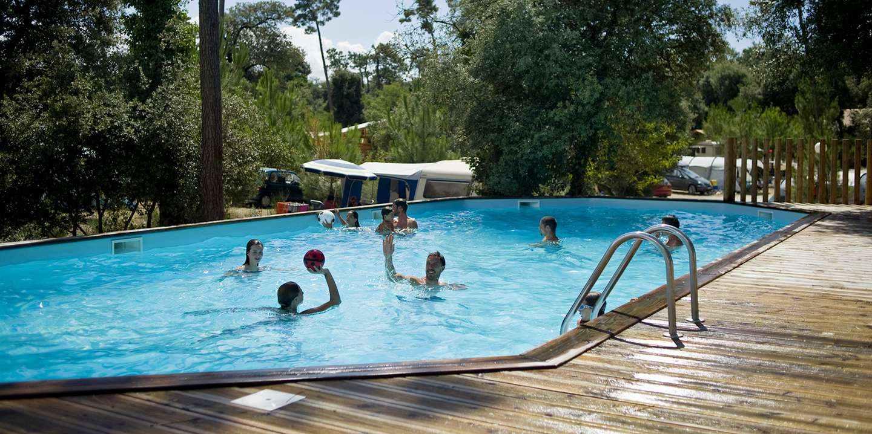 Camping Oléron Les Pins Vacances Nature Sur LIle DOléron Huttopia - Camping ile oleron avec piscine couverte
