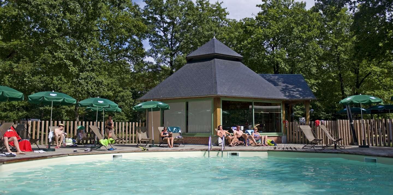 Camping lac de sill vacances nature huttopia for Piscine de camping