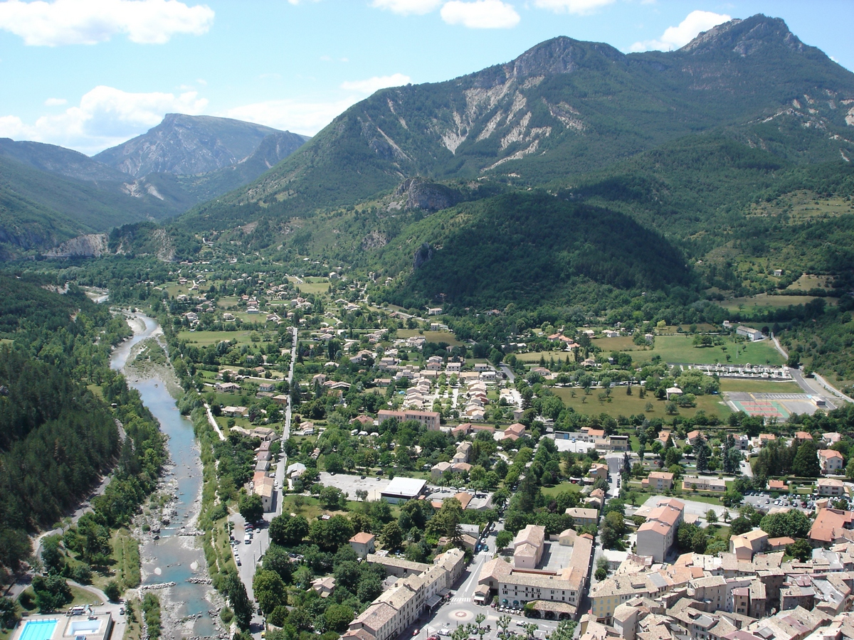Castellane and its surroundings