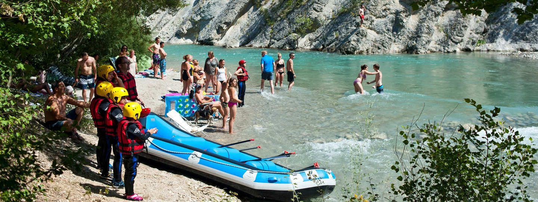 Campsite in the Verdon Gorges by the river - Huttopia
