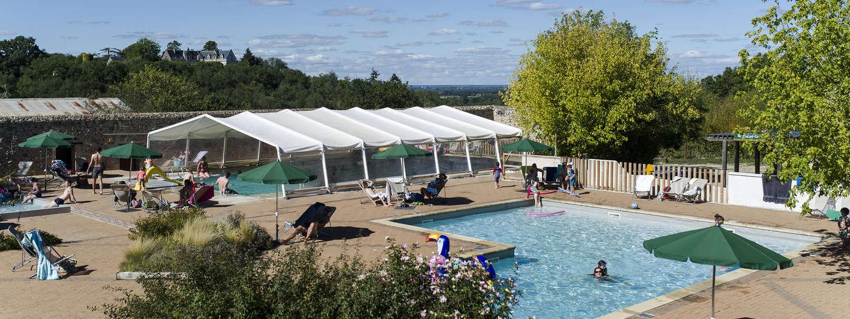 Camping saumur vacances dans la loire huttopia for Piscine pour petit espace