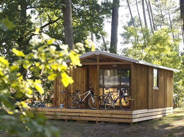 Accommodaties op de camping huttopia - Buitenkant terras design ...