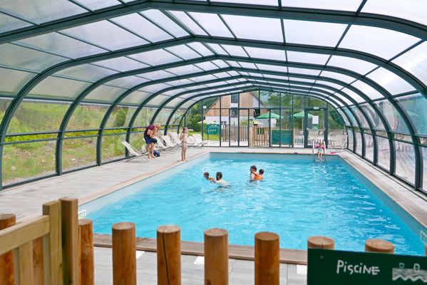 Beheizter Pool und Planschbecken