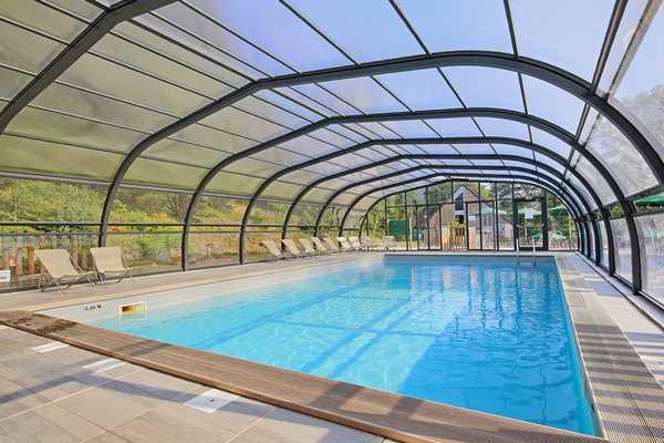 Verwarmd zwembad en peuterbad