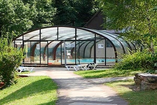 Camping con piscina cubierta en Alsacia