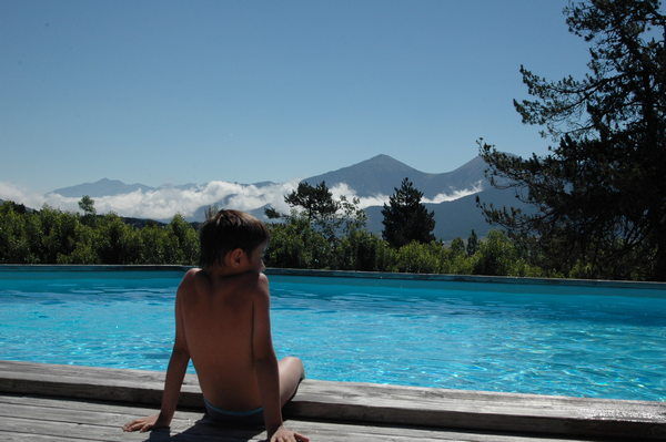 Camping con piscina en los Pirineos