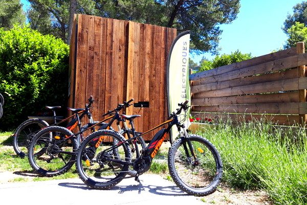 Campsite in Fontvielle in the heart of Provence - Huttopia