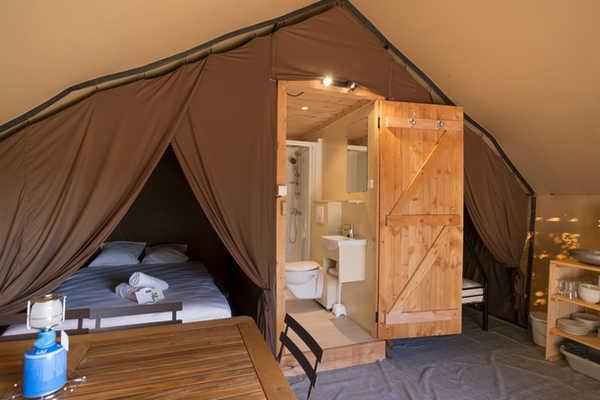 Trappeur Tent Village