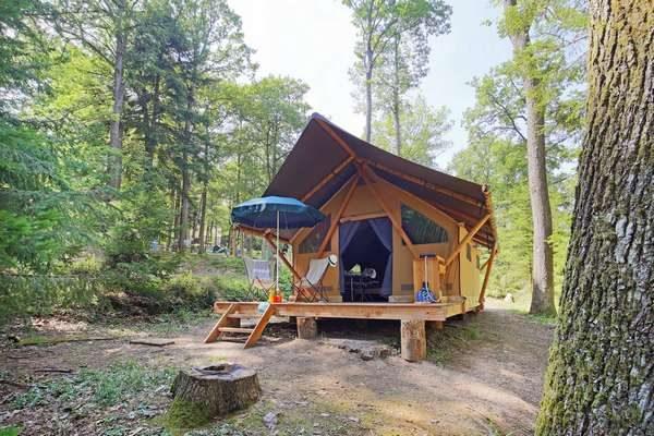 Une Tente avec Salle de Bains
