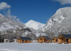 camping_huttopia_bourg_st_maurice_hiver_chalets_montagne