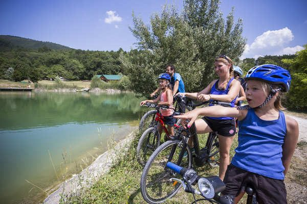 EXPLORE THE DRÔME PROVENÇALE BY BIKE!